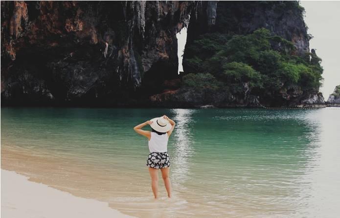 https://unsplash.com/search/thailand?photo=iDnxG7cpbCs